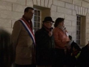 Rassemblement Devant La Mairie Avant Le Conseil Municipal Du 12 Février - 2
